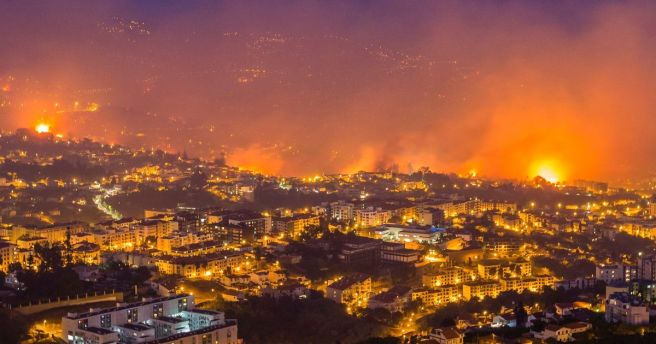 PAY-Forest-fire-in-Madeira-Island
